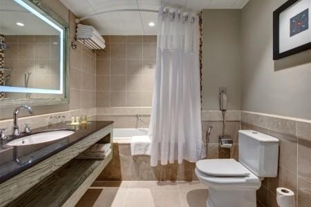 Invia – Hilton Salalah Resort, Omán