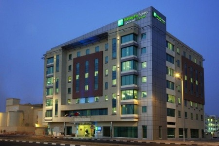 Invia – Holiday Inn Express Dubai Jumeirah Hotel,