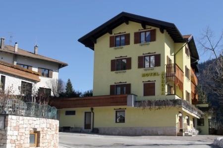 Invia – Hotel Aurora – 5Denní Lyžařský Balíček,