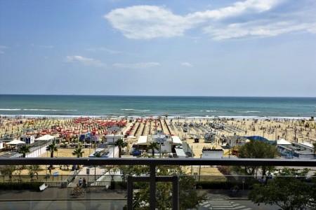 Invia – Hotel Ferretti Beach, Rimini