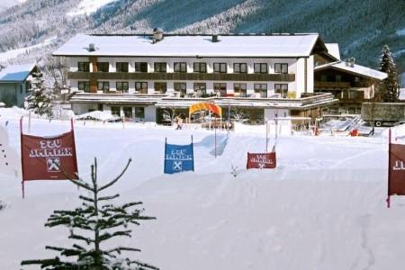 Invia – Hotel Gasthof Zur Post,