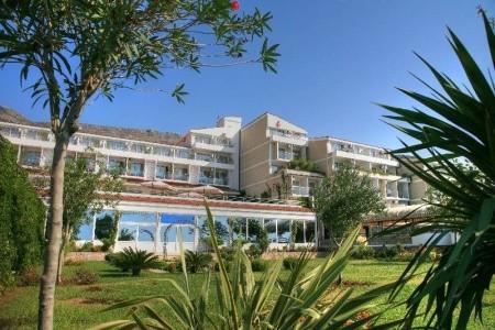 Invia – Hotel Palas,