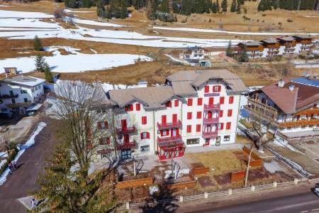Invia – Hotel Piaz, Val di Fassa e Carezza