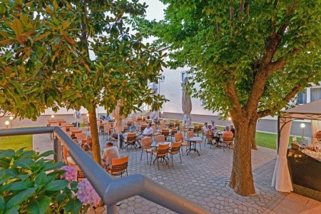 Invia – Hotel Porto, Zadar