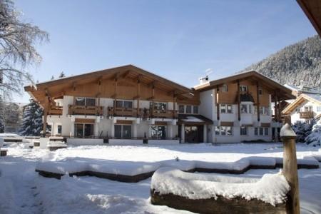 Invia – Hotel Trento, Val di Fassa e Carezza