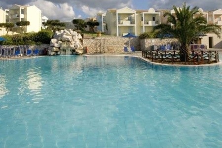 Invia – Mareblue Beach Resort,
