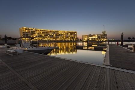 Invia – Millennium Resort Mussanah, Omán