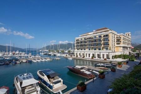 Invia – Regent Porto Montenegro, Tivat