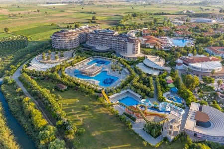 Invia – Sunmelia Beach Resort Hotel & Spa, Antalya