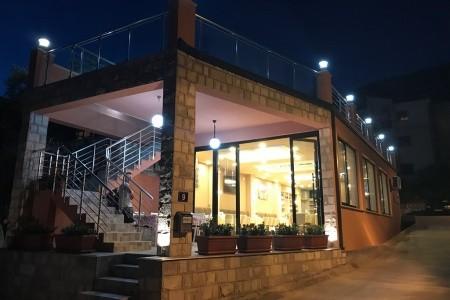Invia – Vila El Mar Garden – Dotované Pobyty 50+, Petrovac