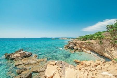 Invia – Villa Bison, Sardínia / Sardegna