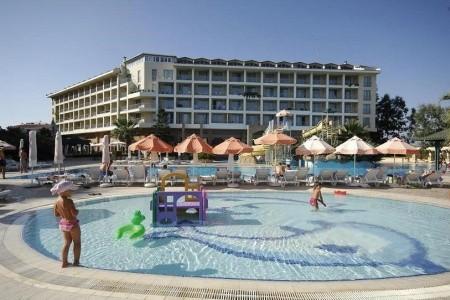 Invia – Washington Resort,