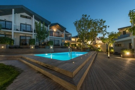 Invia – Aqua Bay Hotel,