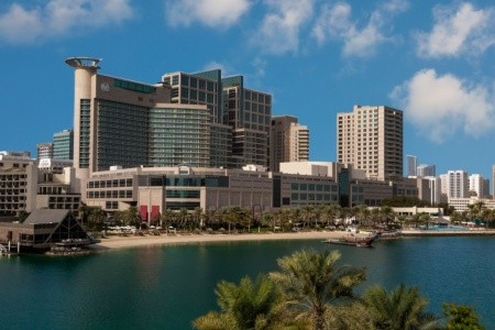 Invia – Beach Rotana Hotel And Tower, Abu Dhabi
