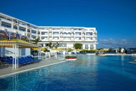 Invia – Serita Beach Hotel,